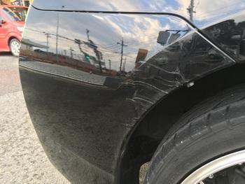 「プリウス」を背景が映り込む位ピカピカに / 和歌山の板金塗装・自動車修理はプロモワカヤマ