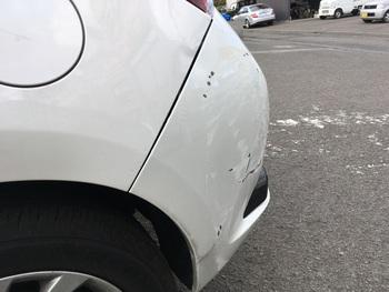 トヨタ「オーリス」リアバンパー→キズヘコミ修理! / 和歌山の板金塗装・自動車修理はプロモワカヤマ