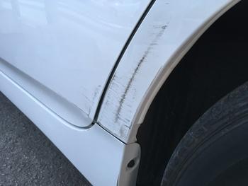 トヨタ「プリウス」リアドア・クォーターの擦り傷 / 和歌山の板金塗装・自動車修理はプロモワカヤマ