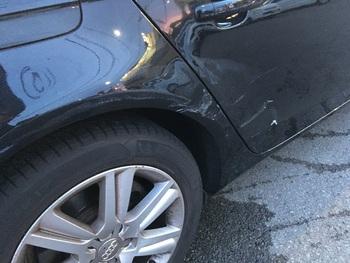 かなりヘコミがきつい右リアドア・クォーター / 和歌山の板金塗装・自動車修理はプロモワカヤマ
