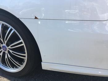 トヨタ「クラウン」左クォーターとRバンパーのキズ修理 / 和歌山の板金塗装・自動車修理はプロモワカヤマ