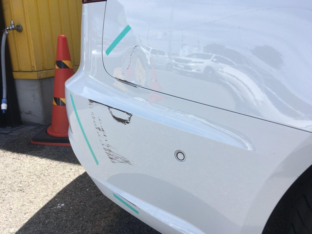 アウディ「A6」右クォーターリアバンパ右側修理 / 和歌山の板金塗装・車修理はプロモワカヤマ