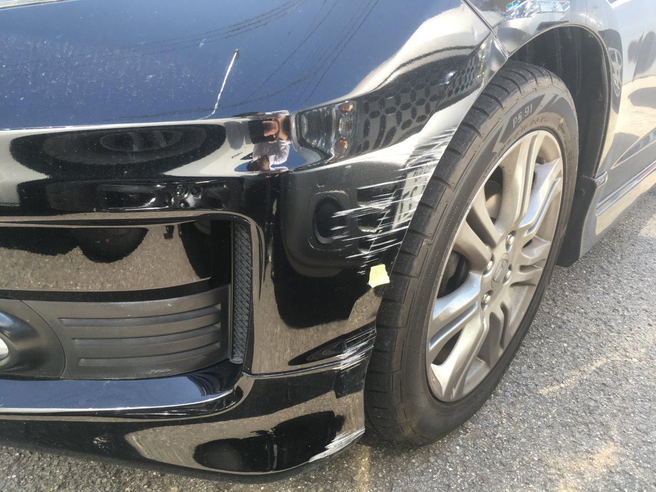ホンダ「フィット」フロントバンパ左側修理 / 和歌山の板金塗装・車修理はプロモワカヤマ